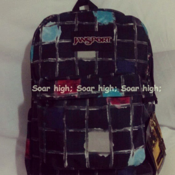 To buy or not to buy???  #jansport #IGersphilippines #igersmanila #bags #torn #soarhigh #ifollowbackfast #photooftheday