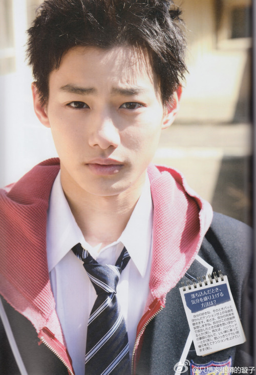 Nomura Shuhei  in Dramatic Actor Magz vol.8 other pages: 3-A | Masaki Suda, xx | Takasugi Mahiro | Yamazaki Kento, xx | Nishii Yukito | Katoono Taikou This magz has interview with 6 cast (students) in 35 sai no Koukousei drama where they have 2 pages each other. But the uploader only shared those pictures. Only Suda and Kento who has their full pages.  I want Shuhei's part!! >< *and i hope someone would translate it credit: 只想家里蹲的璇子
