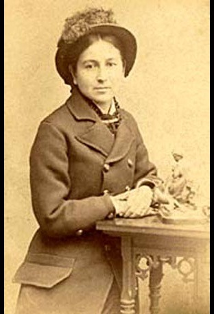 Susette LaFlesche Tibbles – The Omaha Susette LaFlesche Tibbles, also called Insta Theamba (Bright Eyes) (1854 – 1903), was a well-known Native American writer, lecturer, interpreter and artist of the Omaha tribe in Nebraska. Susette LaFlesche was a progressive who was a spokesperson for Native American rights. She was of Ponca, Iowa, French and Anglo-American ancestry. In 1983 she was inducted into the Nebraska Hall of Fame.