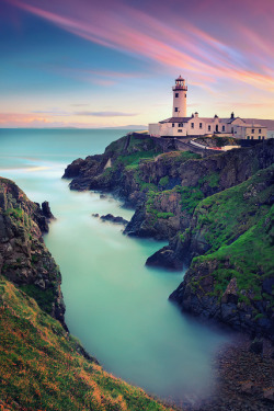 agoodthinghappened:  Fanad Head Lighthouse I by ill-padrino www.matthiashaker.com on Flickr.