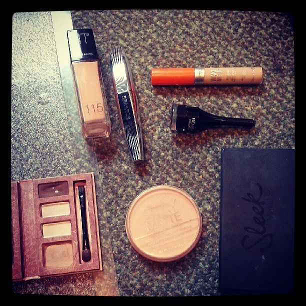 My essentials. #MakeUp #Beauty #Cosmetics #Rimmel #Sleek #LoréalParis #Revlon #Maybelline