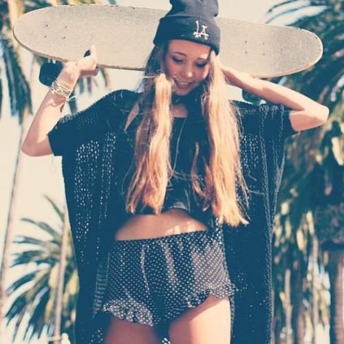 #hipster #skate #hipsta #please #fashion #cute #girl #hair #long #hey #BrandyMelville