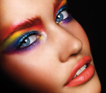 lifeisanamazingadventure:  Multi coloured eye makeup.