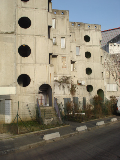 architectureofdoom:  Cité les Poetes (pre-demolition), Pierrefitte-sur-Seine Architecte, Jeronimo Lopez, 1981. View this on the map