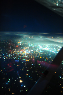 ne0nmagic:   Flight home from vegas (by vissago)