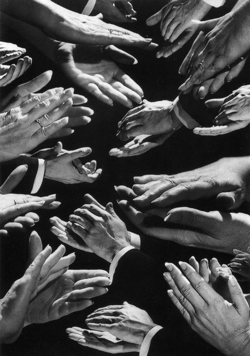 inritus:  Clapping Hands, 1988. Photographed by H. Armstrong Roberts.