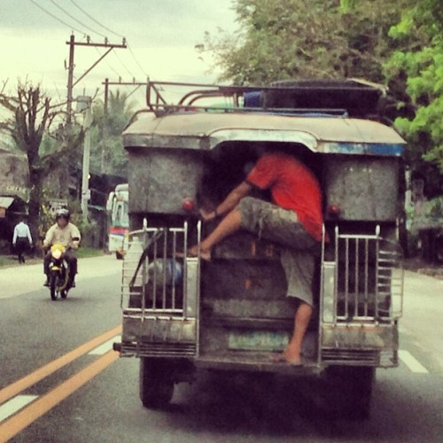 #onlyinthephilippines http://bit.ly/12oQMgb