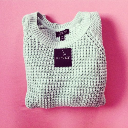wild-rose-petals:  flyonvogue:  fashioninmysoul:  Today's new mint jumper from Topshop ♡  ♡ follow me on instagram: omgiremx  ✿Rosy blog, following similar blogs back✿