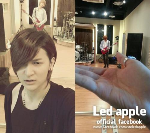 3/20 [FB] From. Kyu-min of Led appleYoungjun above my head..but he's still in my hands.. haha