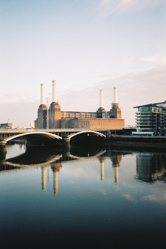 brokebroadbeat:  Chelsea Bridge, Battersea, December 2012.