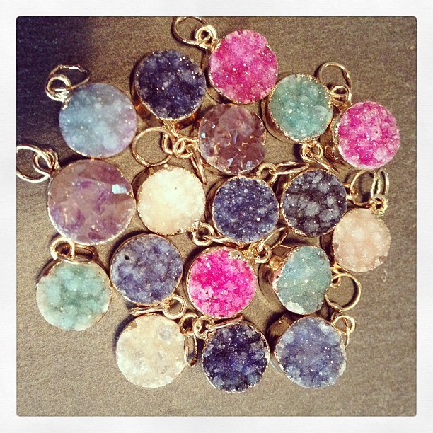Just arrived, #Decadorn miniature drusy droplet pendants….#Summer is going to be colourful!