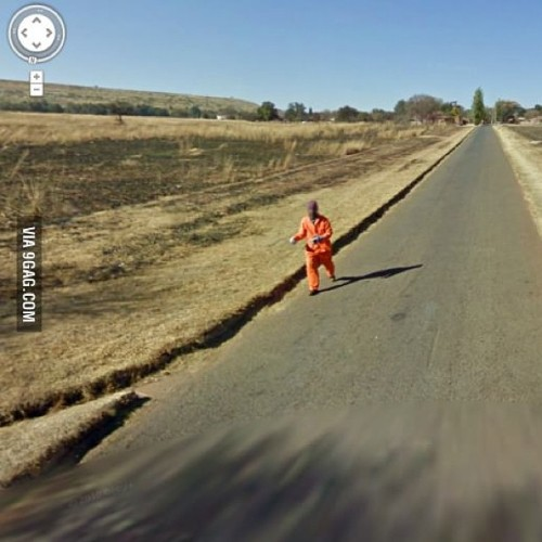 9gag:   So I found an escaped convict on street view.
