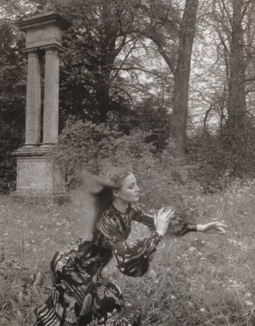 bienenkiste:      Ingrid Boulting by Norman Parkinson for Vogue UK July 1970