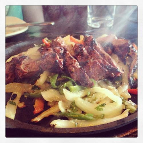 Sizzling steak fajitas. #lunch #vegas #food #foodie #foodporn #instagram #nomnom #yum #yummy #delicious #lasvegas #steak #strip #lategram #fajita #mexican  (at Diablo's Cantina)