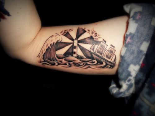 fuckyeahtattoos:  I've always loved the sea and after having a dream about this scene, I decided to get this as my third tattoo: this on my inner right arm. The only thing I gave my tattoo artist was a rough sketch of an outline and he created this from it - I love it! By Will from Arkham Tattoo in Oxford, UK.  MY ARM, REPRESENT.
