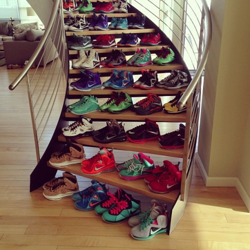 dope-is-my-hustle:   Just 4 Kicks. SOURCE: Dope-Is-My-Hustle