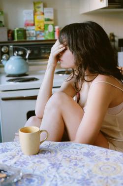 girl tumblr sad vintage alone brunette hi coffe