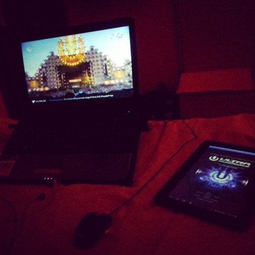 #bed + #laptop + #tablet + #umf #ultralive #ultramusicfestival