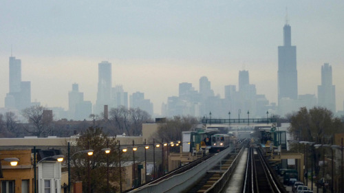 How many photos of the Green Line and the skyline can one person post? by yooperann on Flickr.