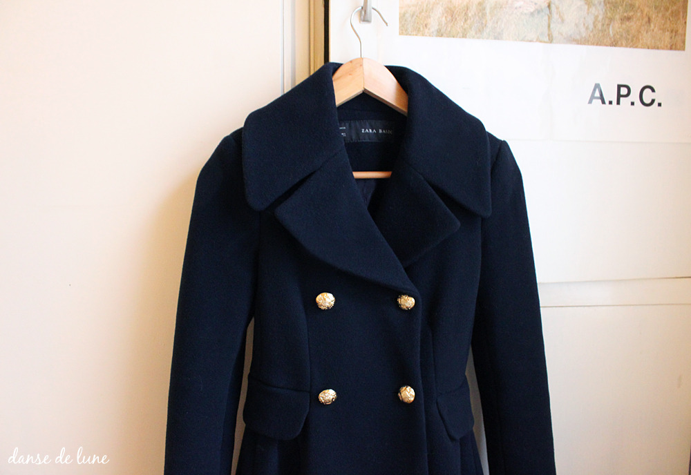 Wool coat, zara This is a great coat and fits perfectly (a rare luxury to find a coat which fits well). Also pretty decent quality; lined, warm, good fit, etc. One drawback - no functional pockets whatsoever. Not even sewn in. Am possibly going to insert an interior pocket for my ipod:) Not worth the price, I think, but happy that I purchased it.