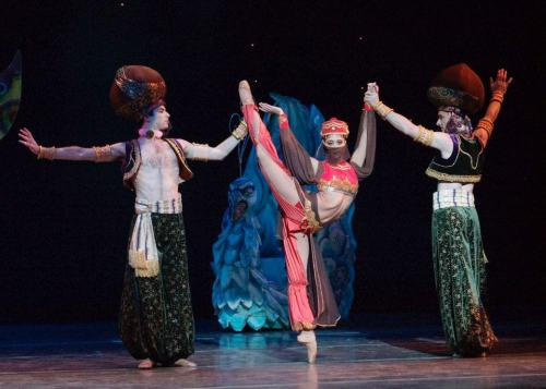 Maximo Califano, Beth Ann Namey and Daniel Gwatkin in The Nutcracker.  Photo by Robert Shomler.
