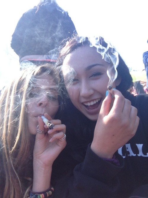 unforgiven-soul:  420 with this beezzyyyyyyyyy