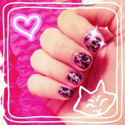 roxy lalonde inspired nail art haha…. I had some fun with this one >w