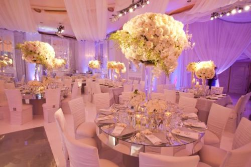 enchanting-weddings:  Photographer: Jay Lawrence GoldmanFloral Design: Mark's GardenVenue: The Beverly Hills HotelWedding Planner/Coordinator: Mindy Weiss Party Consultants Rentals: Chameleon Chair Collection Rentals: Classic Party Rentals Rentals: Revelry Event Designers   Catering: The Beverly Hills Hotel