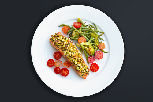 Slim Palate's Pistachio-Crusted Salmon by Michelle Tam https://nomnompaleo.com
