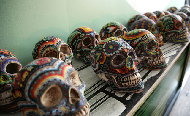 ginandbird:  bohemianhomes:  Bohemian Homes:Mexican Beaded Skulls    huichol skulls-our exquisite corpse