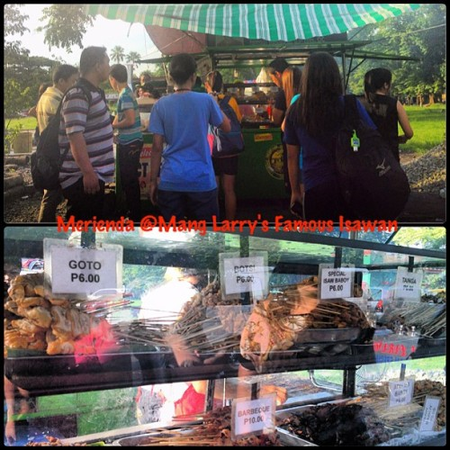 Mang Larry's Isawan. #streetfood #isaw #food #yummy #merienda (at Mang Larry's Isawan)