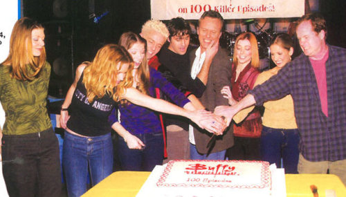 I love that they're all grabbing the knife, except Amber Benson. What an incredibly Tara thing to do.