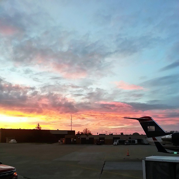 sshotick:  Like a watercolor painted sky. #sunrise on #usairways #cak #airport this morning
