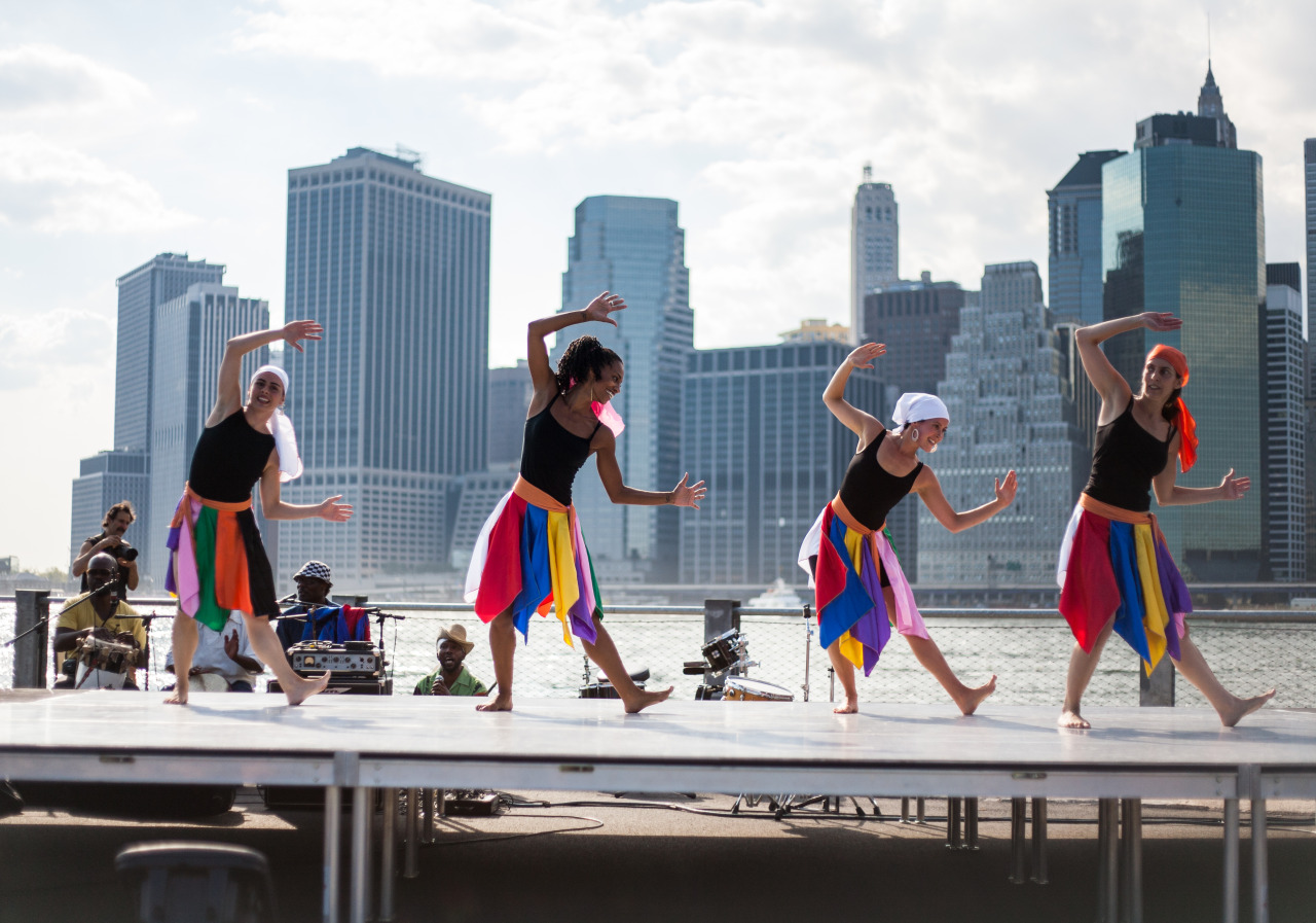 Dancers in Brooklyn Bridge Park
