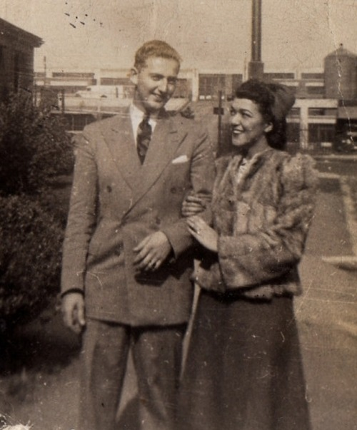 (via Flickr: addie65's Photostream) Sweet Couple (1940)