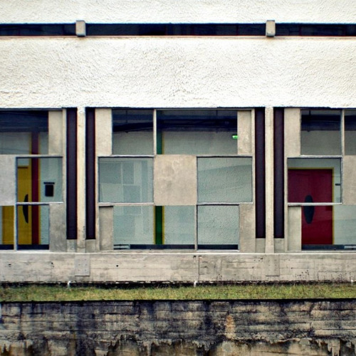 birdoverwaves:   larameeee:   Sainte Marie de La Tourette - Le Corbusier (by 8333696)