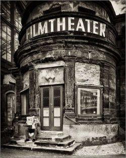 specialcar:  Old filmtheater