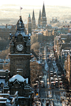 bluepueblo:  Winter's Day, Edinburgh, Scotland photo via jennifer