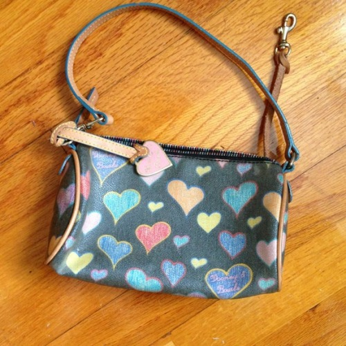 I just added this to my closet on Poshmark: Dooney & Bourke purse. (http://bit.ly/WTxKQ7) #poshmark #fashion #shopping #shopmycloset