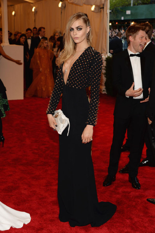 labellefabuleuse:  Cara Delevingne in Burberry Prorsum at The Met Gala, 2013