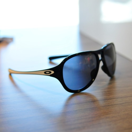 alternative-online-store:  Get it while it's still in stock. The new Oakley TwentySix.2 shades. The girls here love it and at $149.99, it's a damm fair price.