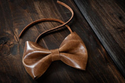 British Tan Bow Tie ~ La