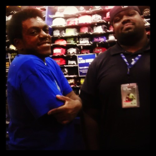 After a day of recording went up to #Lids to build with honorsocietyblog.com writer Big Mike. Our 2013 Arizona Inspiration on Fire Cypher track and video will debut on his blog soon! #AZSupport #Network #Networking #HipHop #blog #AZIOF #Cypher