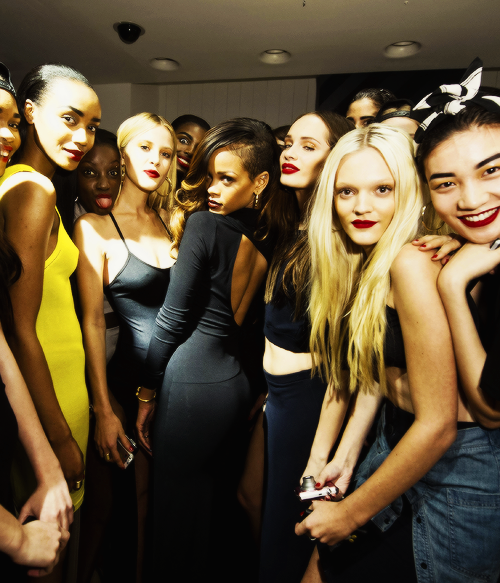 Riri and her models !!