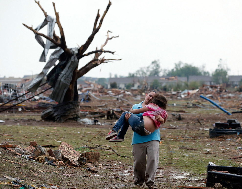 Tornadoes wreak havoc in US -http://bo.st/18joU0T