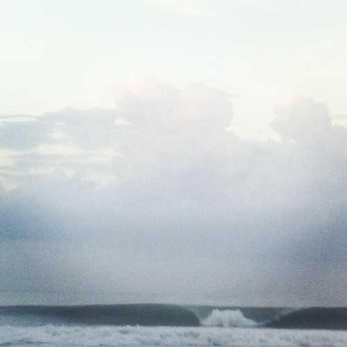 ellisericson:  Cheeky A-frames this morning. #loveindo