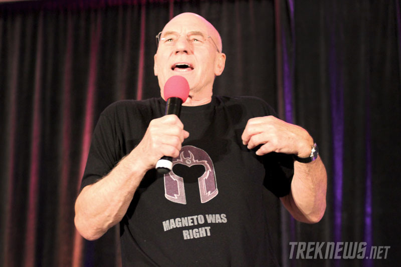 suicideblonde:  Patrick Stewart at the 2012 Official Star Trek Convention in New Jersey  CAPTAIN XAVIER
