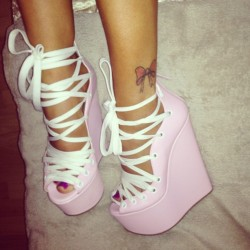 violetrebel:  want. need. lilac *_*