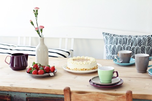 scandinavian tableware by Sagaform (via My Second Hand Life)
