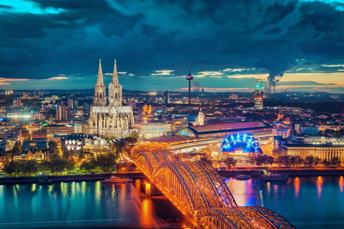 Cologne @ Blue Hour by ill-padrino